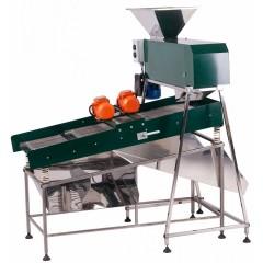 Устройство для отделения гребней и некондиционных ягод винограда
